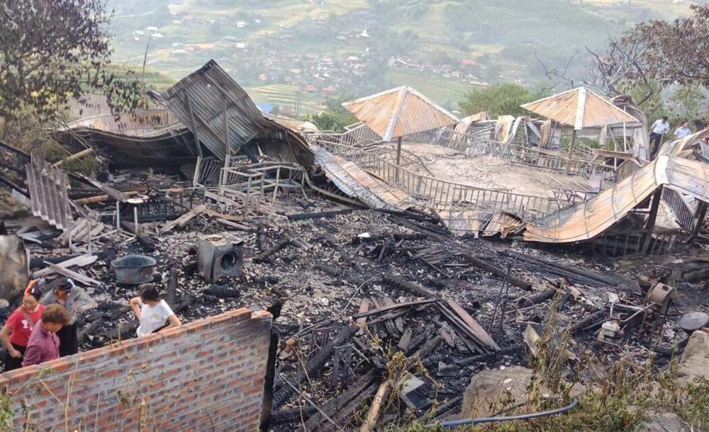 Cháy 5 ngôi nhà trong khu nghỉ dưỡng ở Sa Pa, 1 người tử vong-1