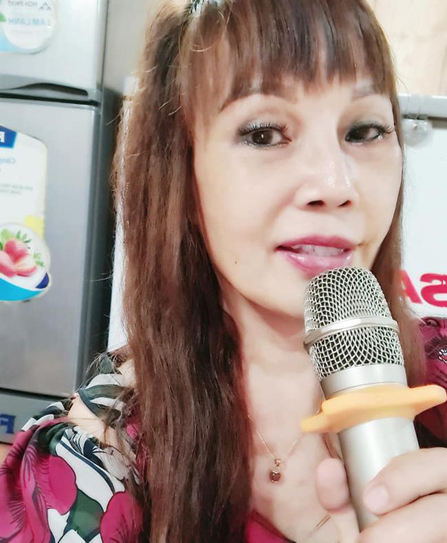 """Cô dâu 63 tuổi ở Cao Bằng sau 2 tháng phẫu thuật căng da mặt, diện mạo khiến ai cũng đồng ý là dao kéo hỏng""""-5"""