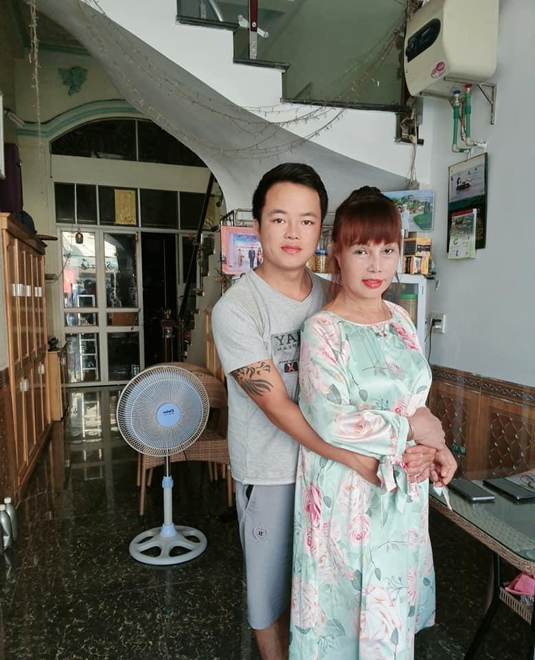 """Cô dâu 63 tuổi ở Cao Bằng sau 2 tháng phẫu thuật căng da mặt, diện mạo khiến ai cũng đồng ý là dao kéo hỏng""""-7"""