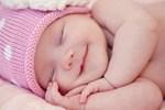 Trẻ sơ sinh rất dễ thiếu Vitamin D, mẹ cần nắm được dấu hiệu thiếu hụt và cách bổ sung Vitamin D cho con luôn dẻo dai, khỏe mạnh-5