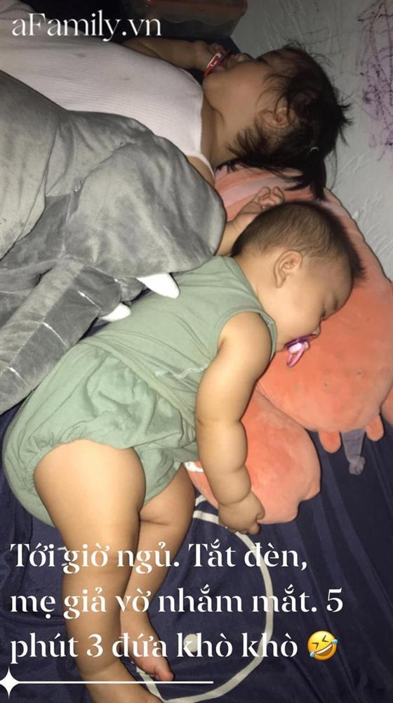 Con khó ngủ trưa nên mẹ trẻ nghĩ ngay kế đối phó, em bé sập bẫy ngủ liền 3 tiếng, hội bỉm sữa rần rần học theo-2