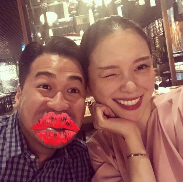 Linh Rin vỡ òa khi được Phillip Nguyễn và hội bạn tổ chức sinh nhật, chàng chỉ đứng đằng xa nhưng ánh mắt nói lên tất cả-3