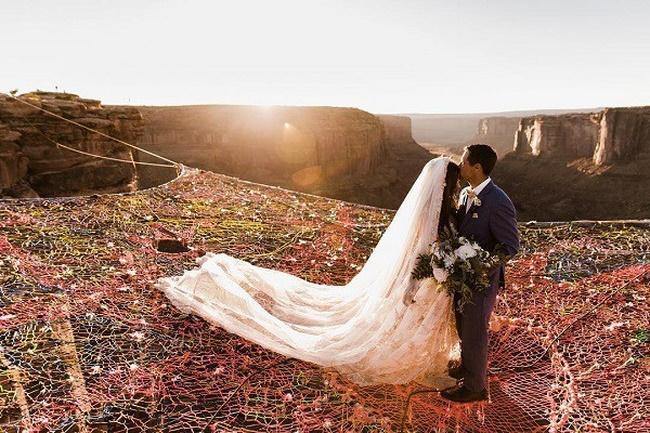 Đám cưới có 1-0-2: Những bức ảnh quá chất được tổ chức dưới đáy biển, nhìn cảnh dâu rể mà tất cả phải băn khoăn vì một lý do!-6