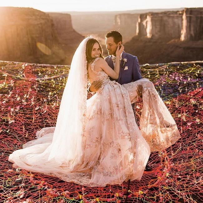 Đám cưới có 1-0-2: Những bức ảnh quá chất được tổ chức dưới đáy biển, nhìn cảnh dâu rể mà tất cả phải băn khoăn vì một lý do!-9