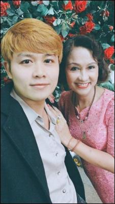 Sau ly hôn, nhạc sĩ Nhật ký của mẹ khoe cơm mẹ nấu, hối lỗi khi chưa tặng biệt thự-2