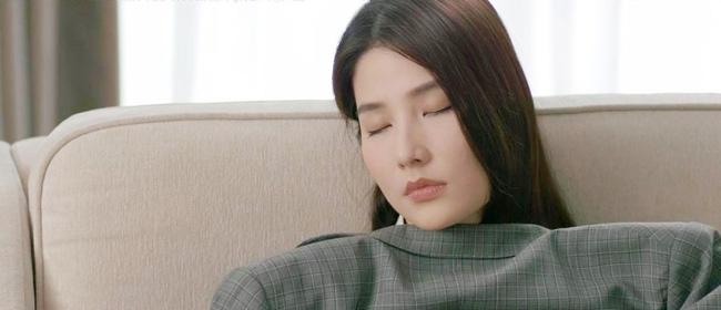 Tình yêu và tham vọng: Tuệ Lâm khóc nghẹn chứng kiến Minh chăm sóc Linh ngay tại văn phòng, đành ra đi không lời từ biệt-2