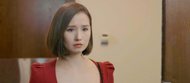 Tình yêu và tham vọng: Tuệ Lâm khóc nghẹn chứng kiến Minh chăm sóc Linh ngay tại văn phòng, đành ra đi không lời từ biệt-3