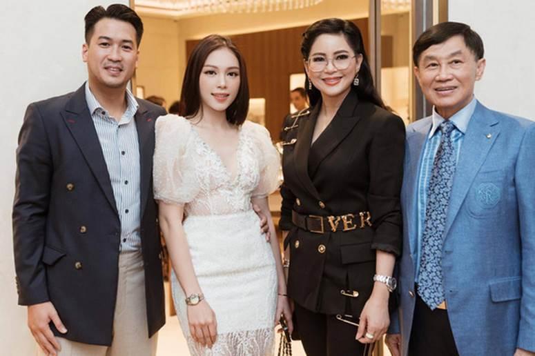 Đoạn clip 11s hé lộ mối quan hệ của Linh Rin và Hà Tăng - 2 nàng dâu nhà tỷ phú Johnathan Hạnh Nguyễn-3