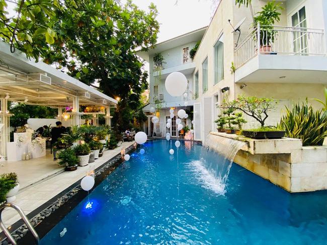 Sống kín tiếng nhiều năm, Shark Khoa bất ngờ hé lộ không gian biệt thự chẳng khác nào resort, dân mạng gật gù quả không hổ danh CEO sừng sỏ thương trường Việt-2