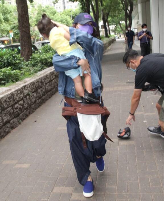 Trương Bá Chi chính thức lên tiếng về nghi vấn mang thai lần thứ 4-2