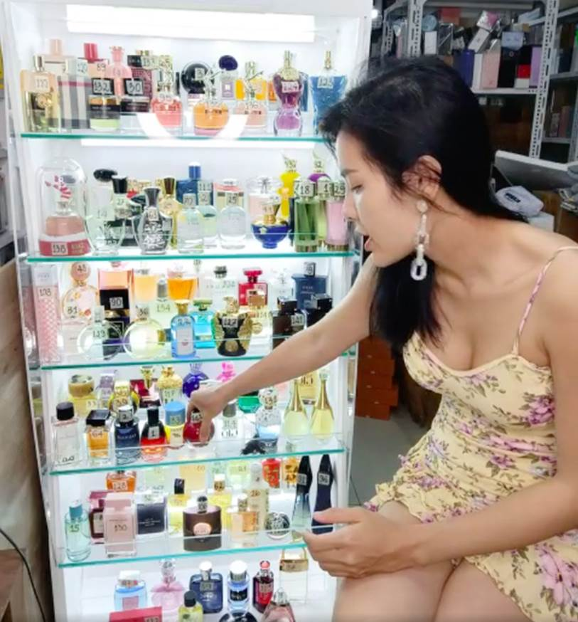 """Phương Trinh Jolie lên tiếng vụ bị tố bán nước hoa fake giá đắt, đáp trả chỉ trích vướng phốt vẫn livestream chốt đơn""""-3"""