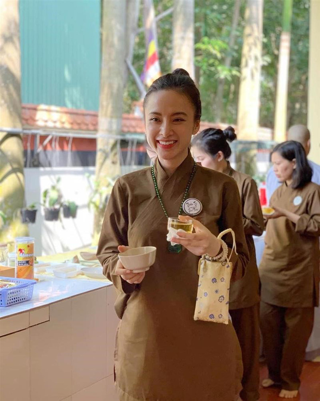 Khó nhận ra Angela Phương Trinh trong loạt ảnh mới: Nhan sắc lên hương, sống mũi thảm họa năm xưa thay đổi rõ rệt-5