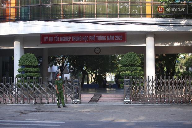 Thi tốt nghiệp THPT Quốc gia đợt 2: 26.000 sĩ tử bước vào môn Ngữ văn-19