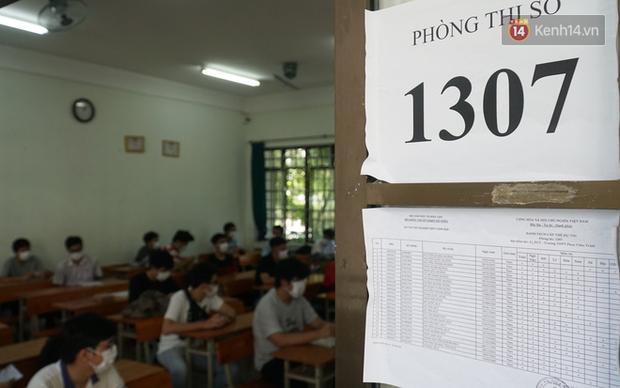 Thi tốt nghiệp THPT Quốc gia đợt 2: 26.000 sĩ tử bước vào môn Ngữ văn-23