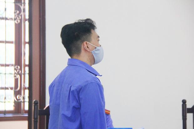 Vụ thai phụ 18 tuổi bị bắt cóc, tra tấn đến mất con: Bị cáo sinh năm 2000 khai dùng chân đá vào bụng bầu, quăng pháo vào nạn nhân-5