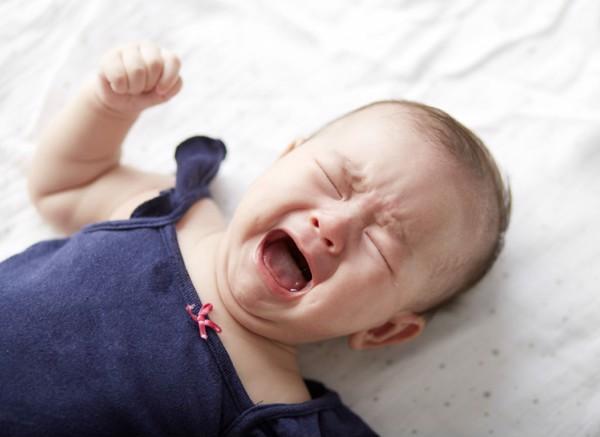 Trẻ sơ sinh rất dễ thiếu Vitamin D, mẹ cần nắm được dấu hiệu thiếu hụt và cách bổ sung Vitamin D cho con luôn dẻo dai, khỏe mạnh-2
