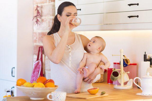 Trẻ sơ sinh rất dễ thiếu Vitamin D, mẹ cần nắm được dấu hiệu thiếu hụt và cách bổ sung Vitamin D cho con luôn dẻo dai, khỏe mạnh-3