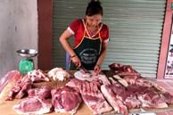 Giá lợn hơi lao dốc, chợ giảm nhỏ giọt, dân buôn kêu ế dài