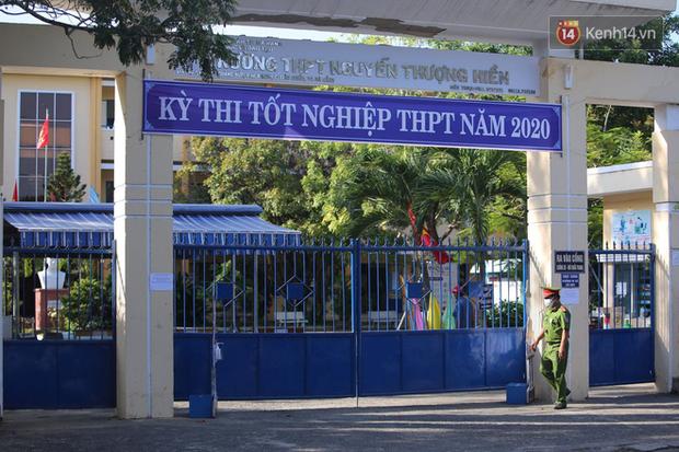 Ngày thi thứ 2 kỳ thi tốt nghiệp THPT đợt 2: Thí sinh tiếp tục thi môn tổ hợp-10