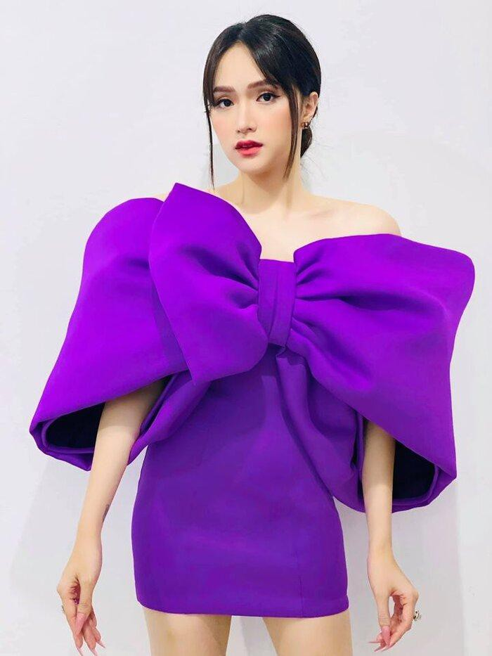 Hương Giang hóa món quà tím lịm với đầm nơ siêu to khổng lồ-2