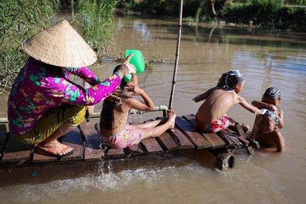 Năm học mới của chị em sinh tư Việt, Nam, Hạnh, Phúc-4