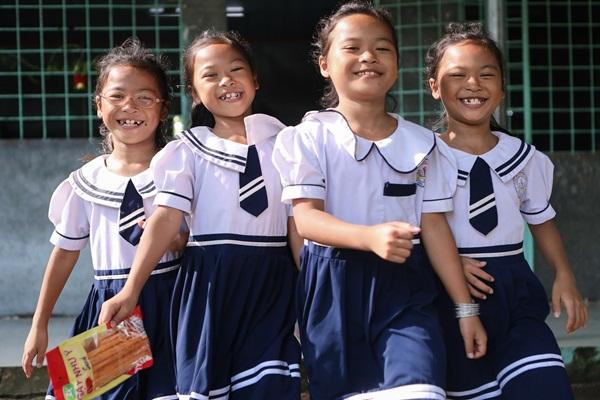 Năm học mới của chị em sinh tư Việt, Nam, Hạnh, Phúc-16