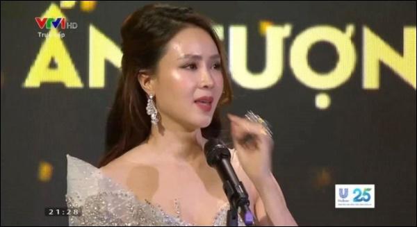 Hồng Diễm khóc không ngừng khi nhận giải Nữ chính ấn tượng nhất VTV Awards, nhắc tới Ngôi sao Khuê của anh Bảo khiến fan vỡ òa-4