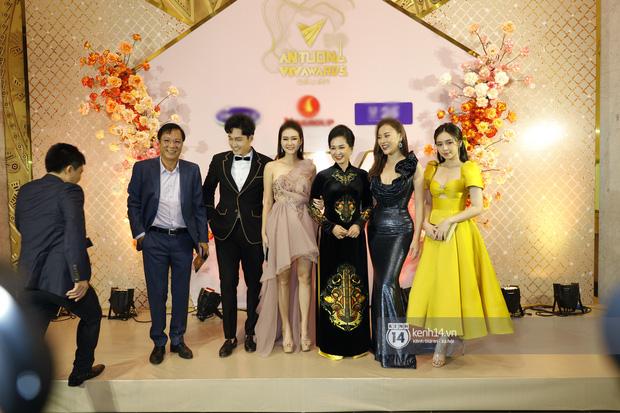 Phục thù lại mùa VTV Awards năm ngoái, năm nay Phương Oanh gây sốt với vòng eo siêu nhỏ, nhưng bộ đầm đen lại có phần hơi già-2