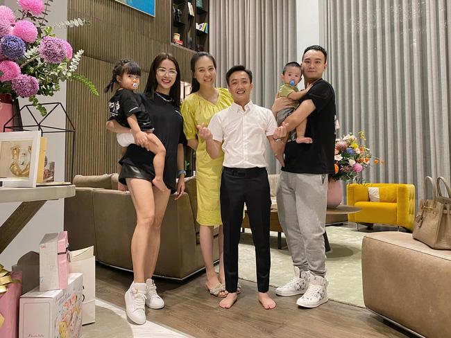 Cường Đô La và Đàm Thu Trang mở tiệc đầy tháng cho con gái-1