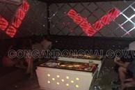 Đồng Nai: Bắt quả tang 5 cô gái 'tắm tiên', khỏa thân nhảy múa với khách tại quán karaoke Dòng Đời