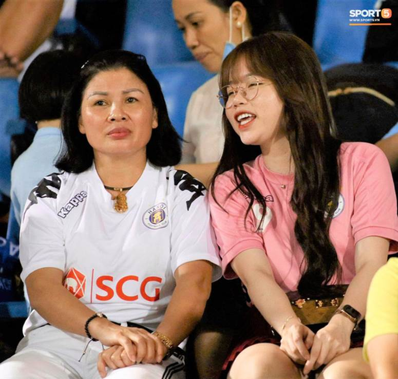 Huỳnh Anh vừa có động thái khẳng định mối quan hệ với Quang Hải đang cực tốt sau loạt drama-6