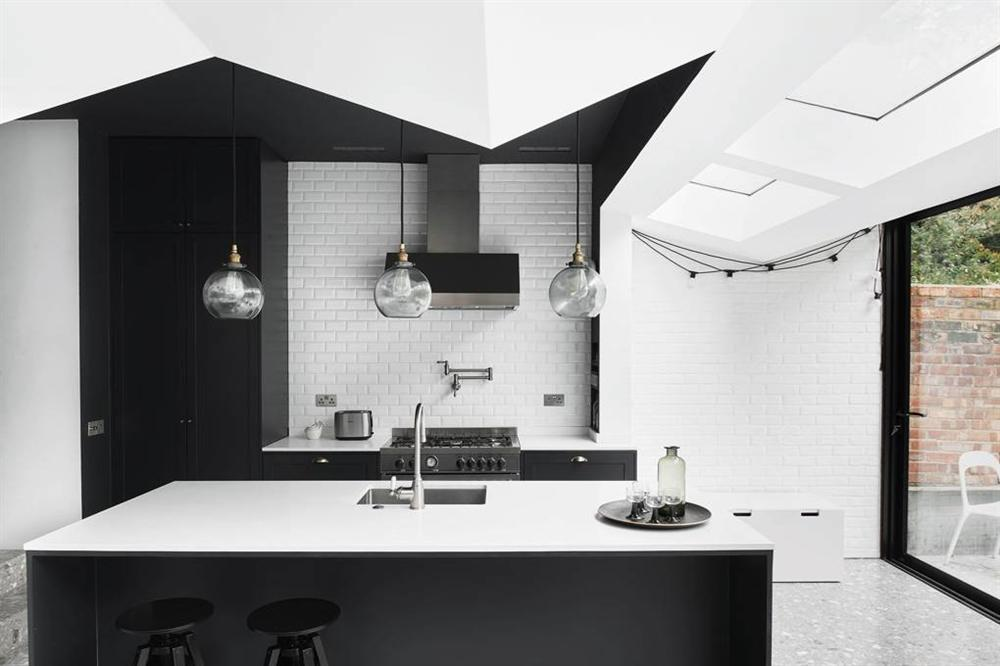 Những mẫu nhà bếp đẹp, ấn tượng và sang trọng với cách bài trí thông minh-8