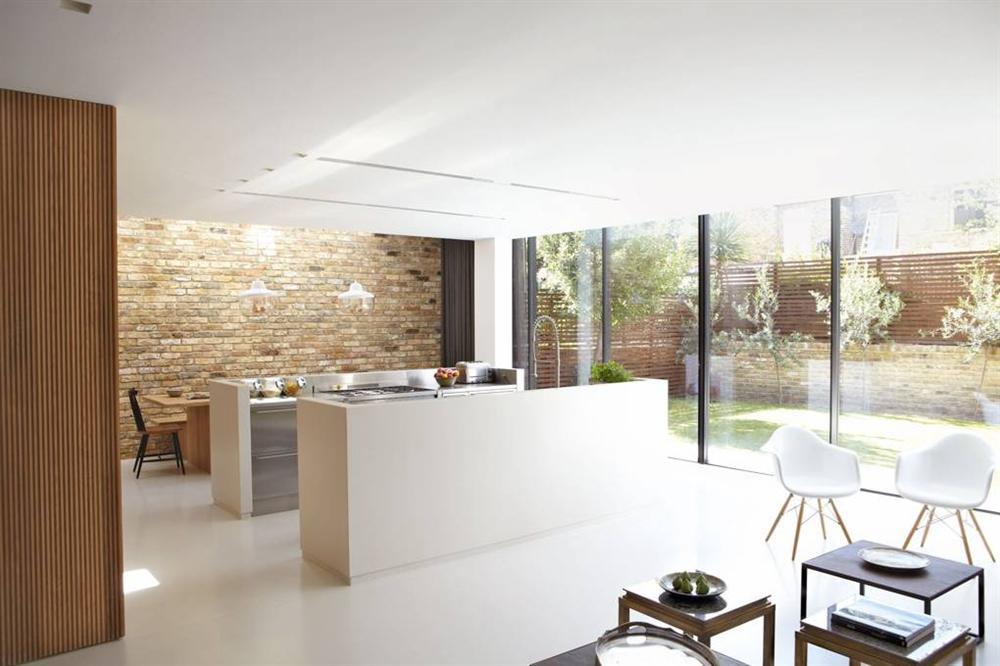 Những mẫu nhà bếp đẹp, ấn tượng và sang trọng với cách bài trí thông minh-11