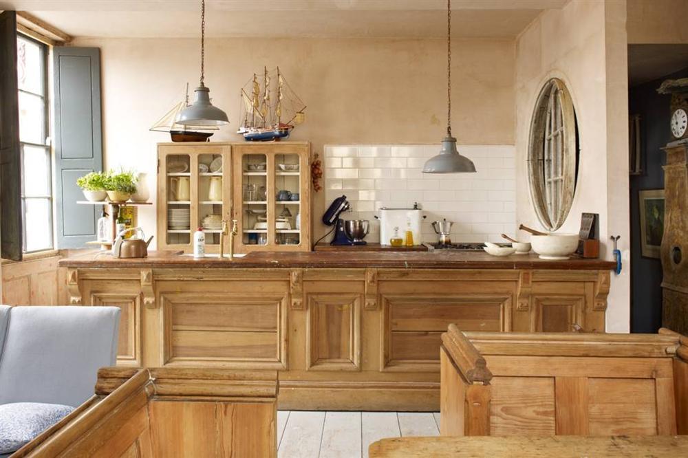 Những mẫu nhà bếp đẹp, ấn tượng và sang trọng với cách bài trí thông minh-18