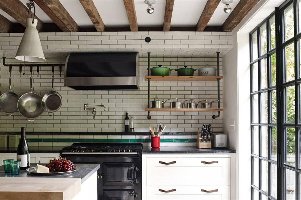 Những mẫu nhà bếp đẹp, ấn tượng và sang trọng với cách bài trí thông minh-19