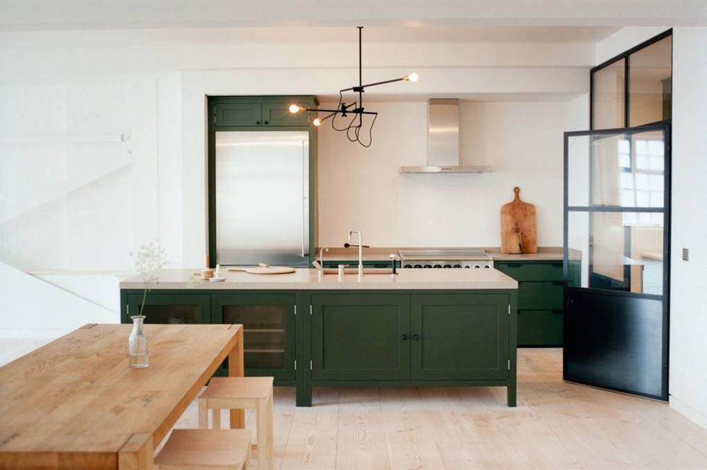 Những mẫu nhà bếp đẹp, ấn tượng và sang trọng với cách bài trí thông minh-29