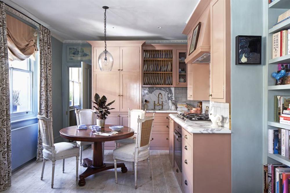 Những mẫu nhà bếp đẹp, ấn tượng và sang trọng với cách bài trí thông minh-37