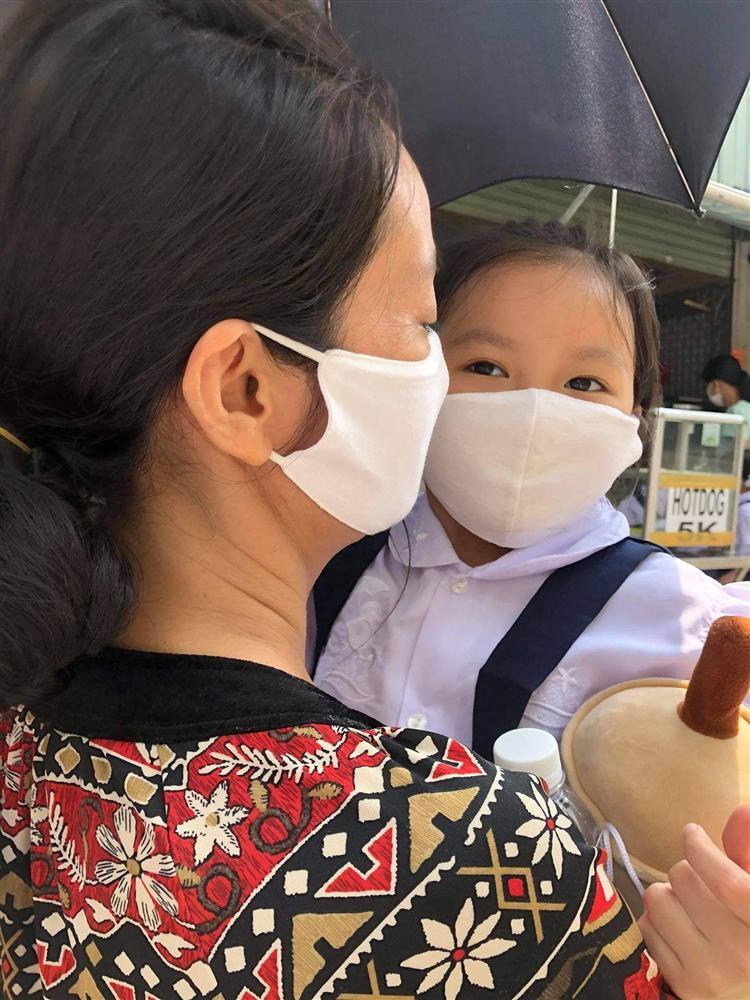Sao Việt có con vào lớp 1: Con trai Tuấn Hưng được khen dạn dĩ, đáng chú ý nhất là 1001 dụng cụ mang đi học của con gái Hạnh Thúy-5