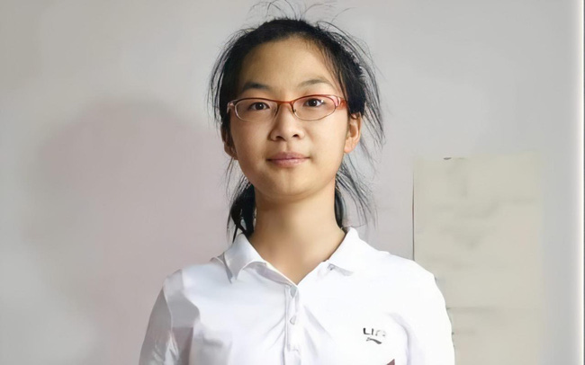 Học không quá nổi bật nhưng nhờ 1 bí quyết, nữ sinh 15 tuổi trở thành tân sinh viên nhỏ tuổi nhất của ngôi trường danh tiếng-1