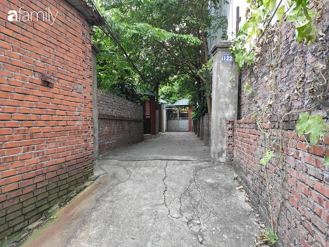 Vụ bé gái 6 tuổi bị bố đẻ bạo hành dã man ở Bắc Ninh: Hàng xóm sống trong nỗi sợ hãi, nhiều người bị dí dao vào cổ dọa giết nếu tiết lộ sự việc-1