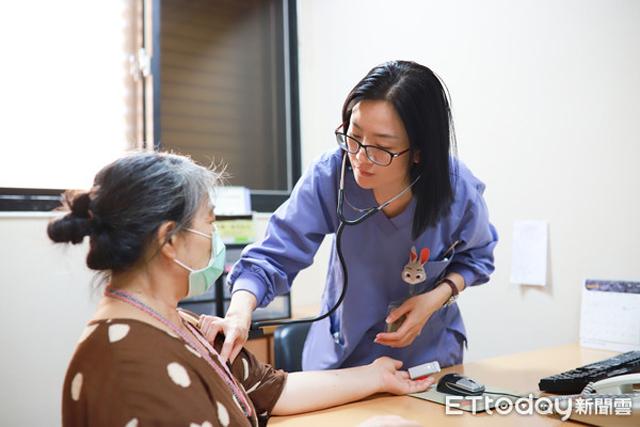 Chỉ bị co giật ở vai phải, đến bệnh viện khám, người phụ nữ sốc nặng khi được chẩn đoán ung thư giai đoạn cuối-2