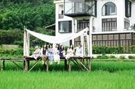 Yêu du lịch, kinh tế tự chủ, 7 cô bạn thân 'rủ nhau' xây biệt thự ngoại ô rộng 700m2 để nghỉ dưỡng cuối tuần