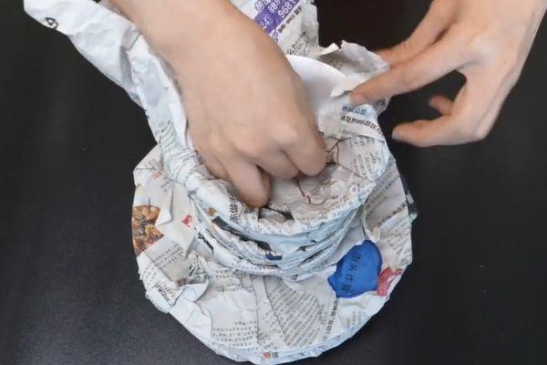 Đừng nhanh tay vứt tờ báo cũ đi vì 6 công dụng hữu ích không ngờ của nó-3
