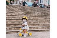 Bộ ảnh 'Ủn xe 1 vòng Đà Lạt' của cậu nhóc 11 tháng tuổi khiến dân mạng thích thú thốt lên: 'Cute lạc lối là có thật'