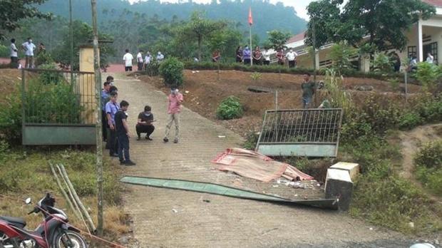 Vụ sập cổng trường mầm non ở Lào Cai làm 6 học sinh thương vong: Bộ GD&ĐT yêu cầu xử lý nghiêm-1