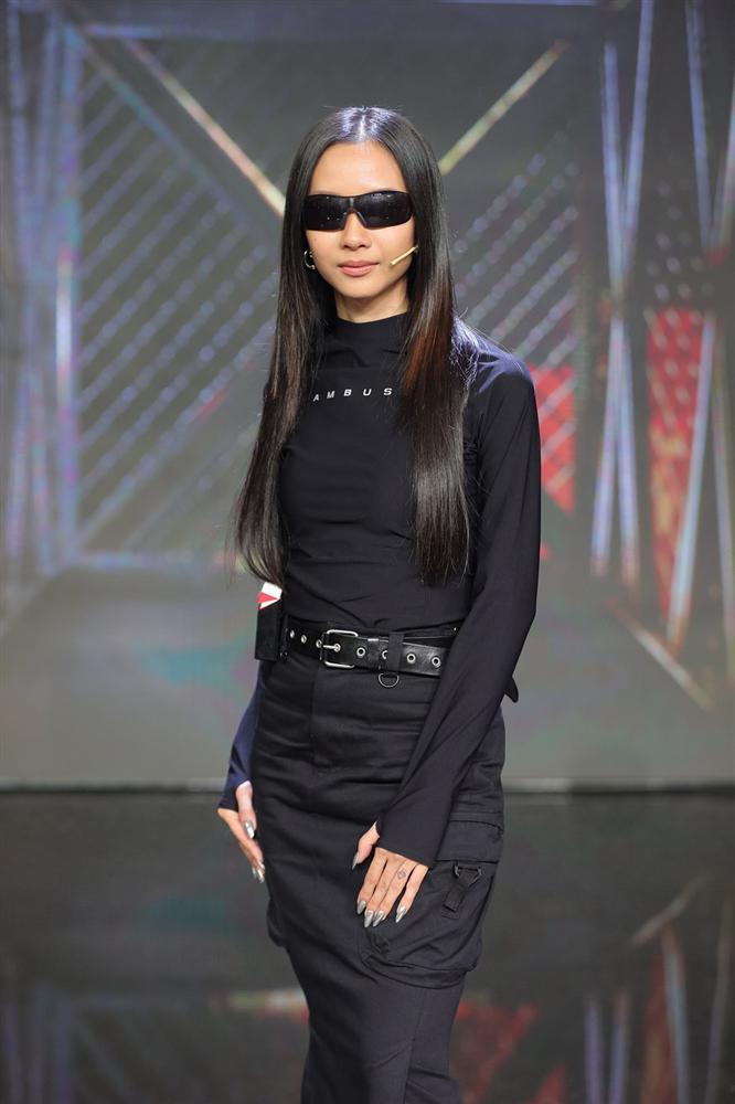 Suboi bất ngờ đụng độ Lisa: Nữ hoàng Rap Việt da nâu bao ngầu, Lisa da trắng nõn kiêu sa-5