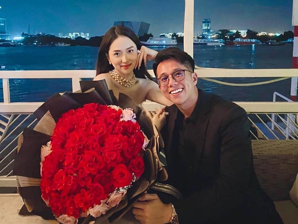 Matt Liu khoe cặp áo hiệu 20 triệu kèm lời cảm ơn bé yêu, ai cũng đoán ngay quà Hương Giang-3
