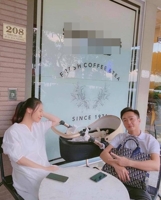 Đàm Thu Trang chính thức lộ vóc dáng sau 1 tháng sinh con khiến nhiều người bất ngờ-3