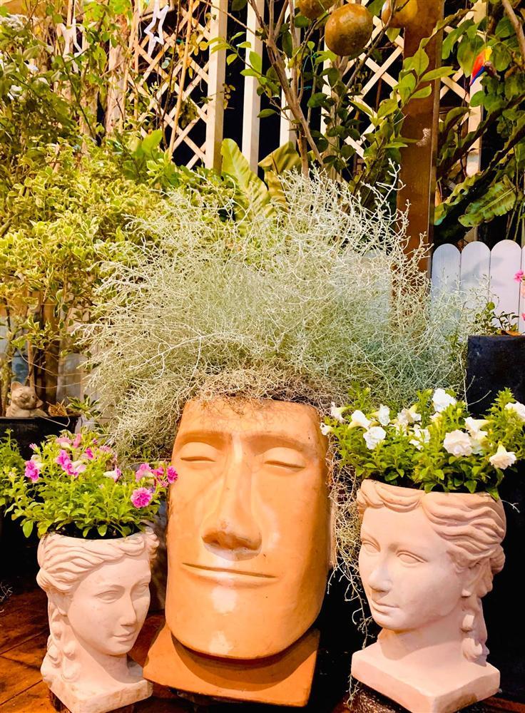 Ghen tị khu vườn 200m² ngập tràn hoa tươi và rau củ quả sạch trên sân thượng của nữ doanh nhân Sài Gòn-3