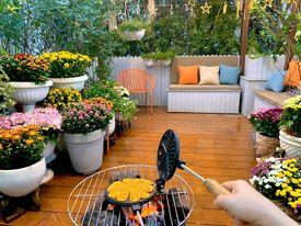 Ghen tị khu vườn 200m² ngập tràn hoa tươi và rau củ quả sạch trên sân thượng của nữ doanh nhân Sài Gòn-15